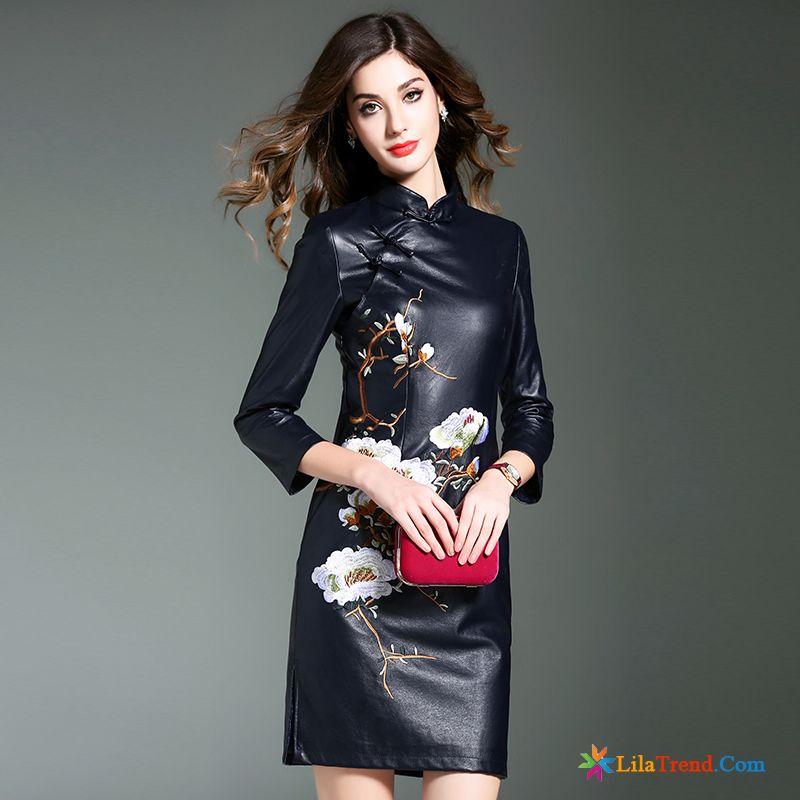 Langes schwarzes kleid mit armel